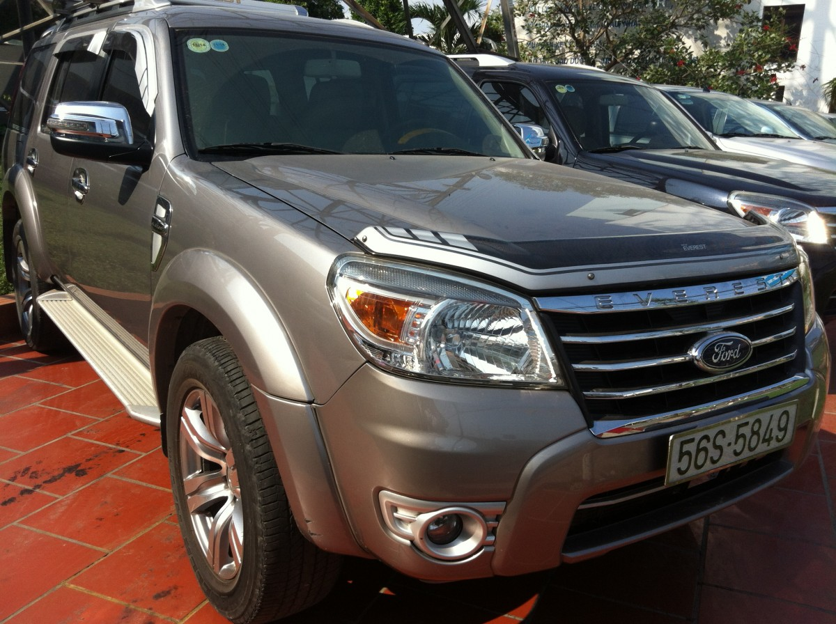 ford everest 2010 2.5l 4x2 mt