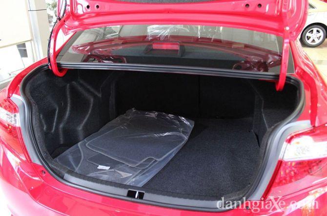 Khoang hành lý của Vios được đánh giá là rộng rãi nhất so với các mẫu xe trong phân khúc
