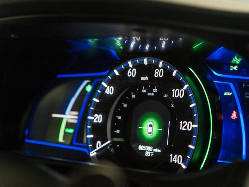 Bảng đồng hồ hiện đại của Honda Accord 2014
