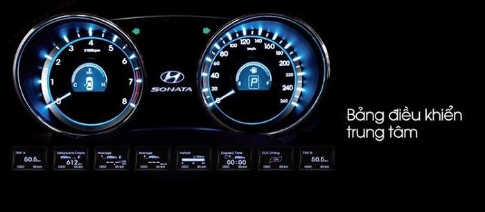 Bảng đồng hồ hiện đại của Hyundai Sonata 2014