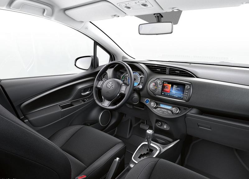 Nội thất Toyota Yaris 2015