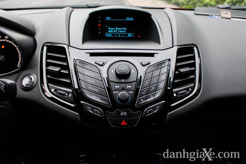 Trang thiết bị Ford-fiesta-2014