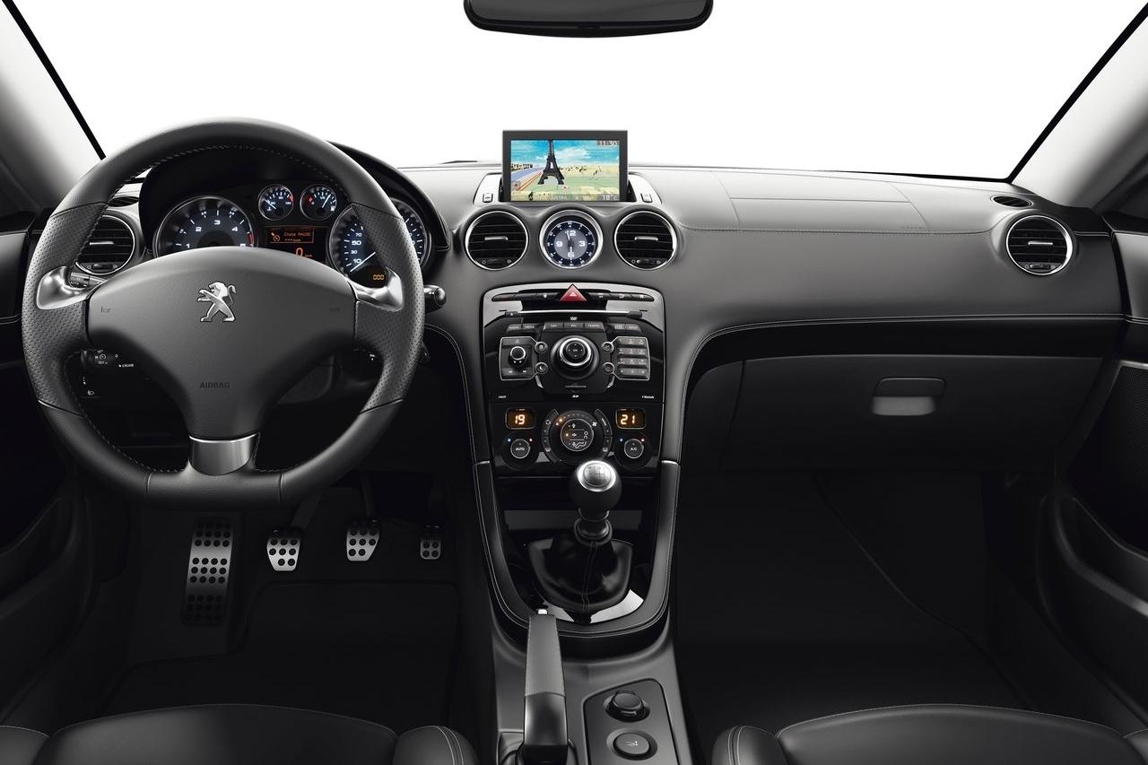 Xe coupe thể thao Peugeot RCZ 2014