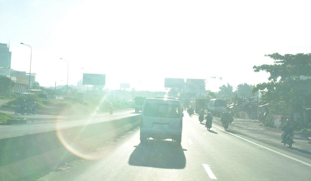 Kinh nghiệm lái xe an toàn trời nắng