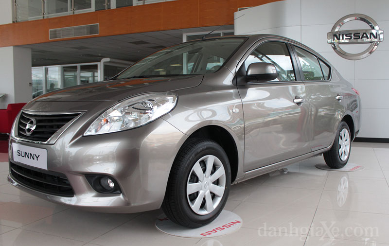 xe sedan giá rẻ Nissan Sunny