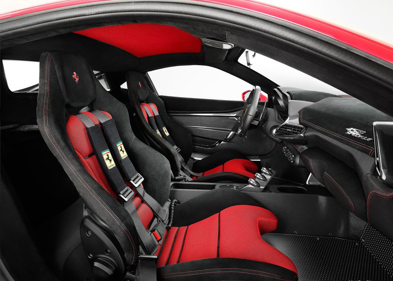 Nội thất Ferrari 458 Speciale Spider