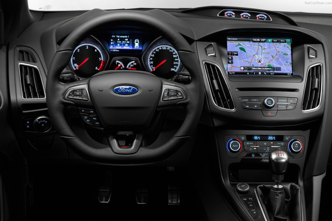 vô-lăng Ford Focus ST 2015