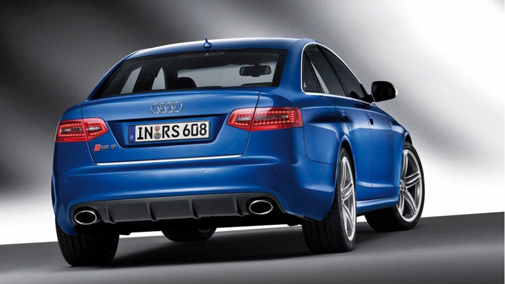 Audi RS6 2016 sử dụng động cơ 4.0L TFSI có công suất lên đến 560 mã lực