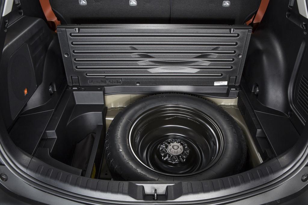 Mẫu SUV này có không gian lưu trữ rộng rãi và tích hợp hệ thống điều khiển cốp tự động