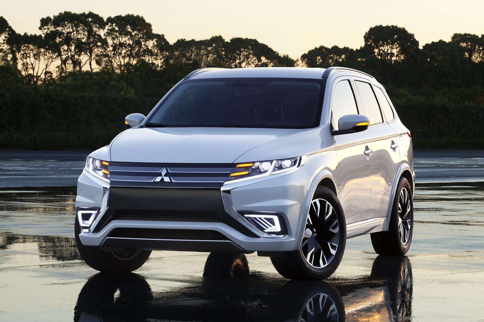 Mitsubishi Outlander PHEV Concept S sẽ tham dự triển lãm xe hơi Paris 2014
