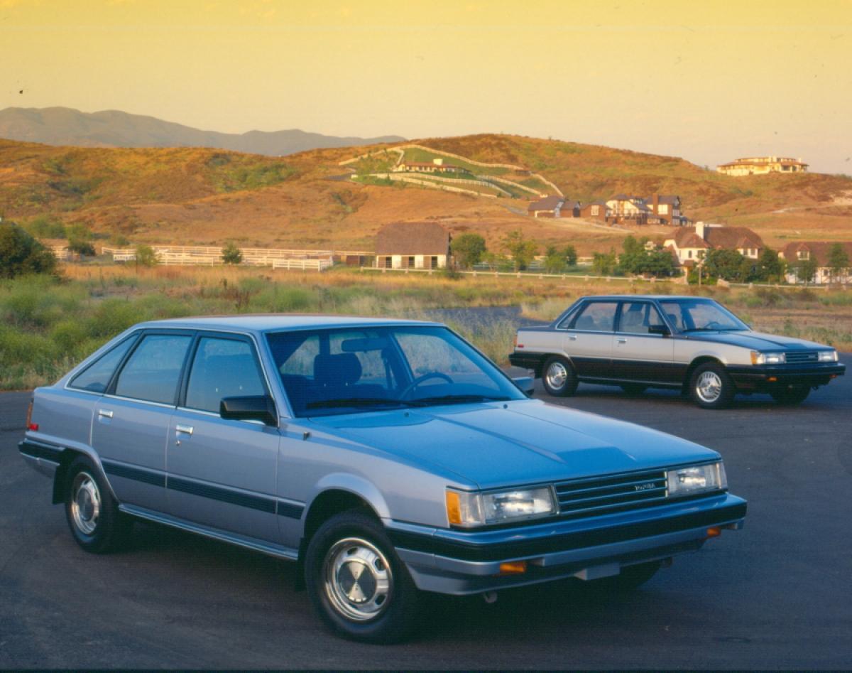 Toyota Camry liftback và Sedan 1985