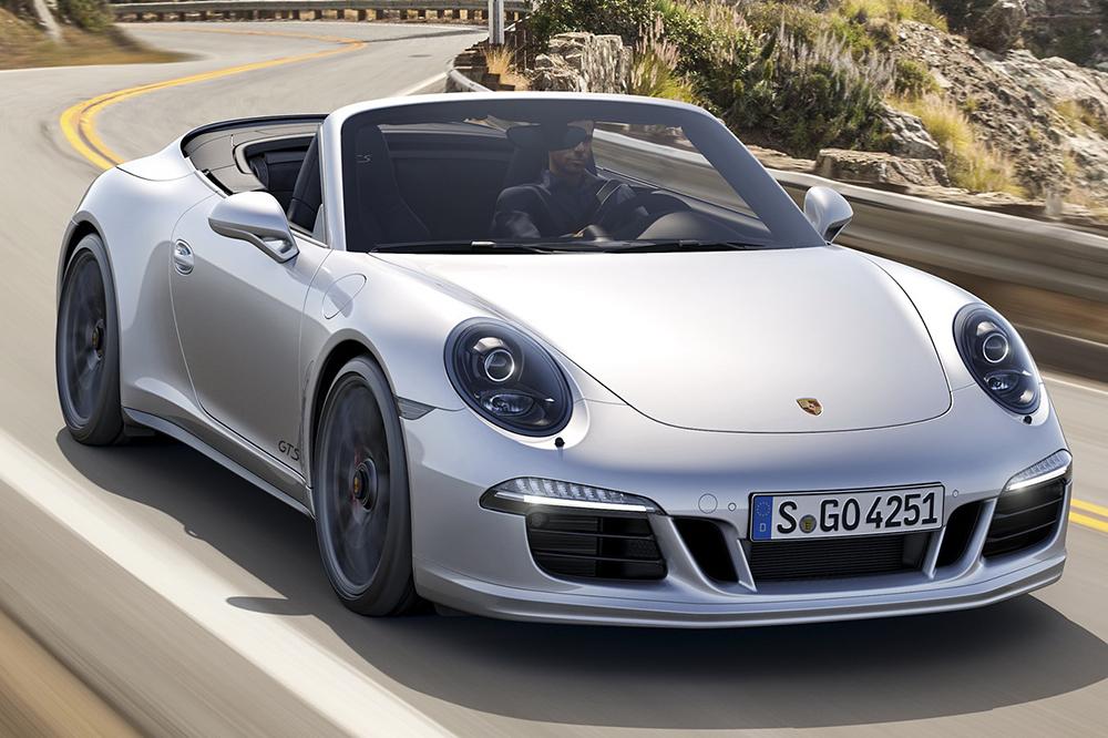 Porsche 911 GTS Coupe và Cabriolet 2015