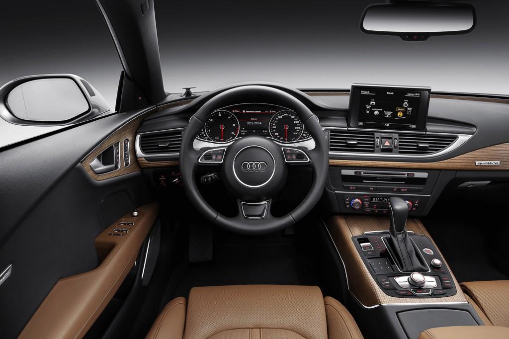 Tùy theo sở thích của người dùng mà Audi đưa ra hai gói tùy chọn trang trí nội thất Beaufort và Valcona