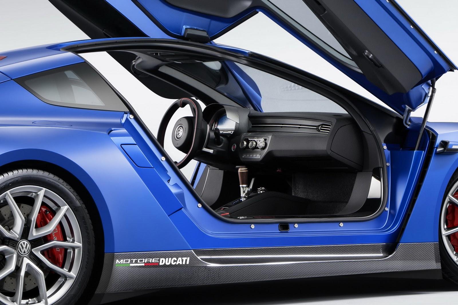 Nội thất của xe cũng được nâng cấp toàn diện, có thiết kế thể thao và mang tính cá nhân hóa cao