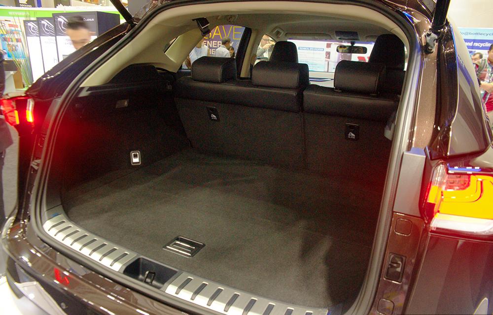 Lexus NX có thiết kế nhẹ nhàng, tinh tế và không kém phần sang trọng