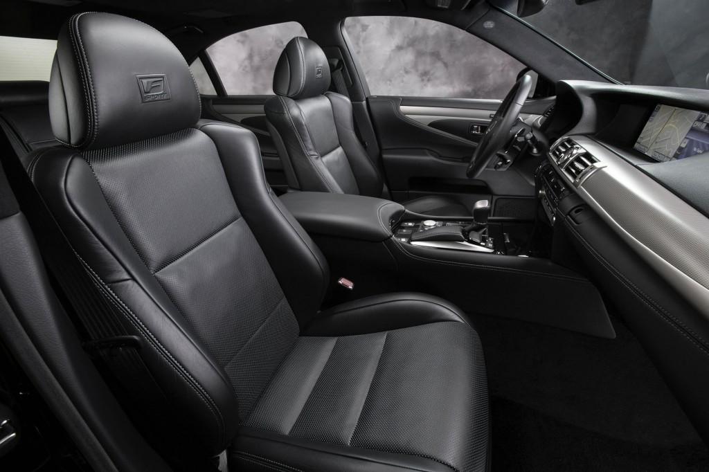Nội thất Lexus LS F Sport 2015 được trang trí màu đen Darth Vader cao cấp