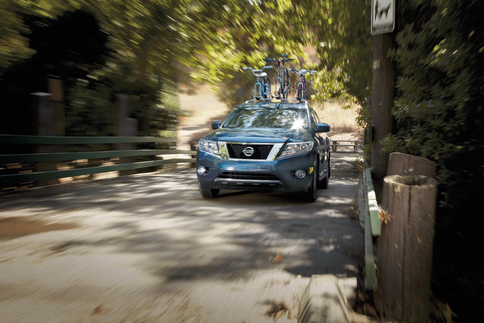 Nissan Pathfinder 2015 được cung cấp bốn gói tùy chọn công nghệ mới