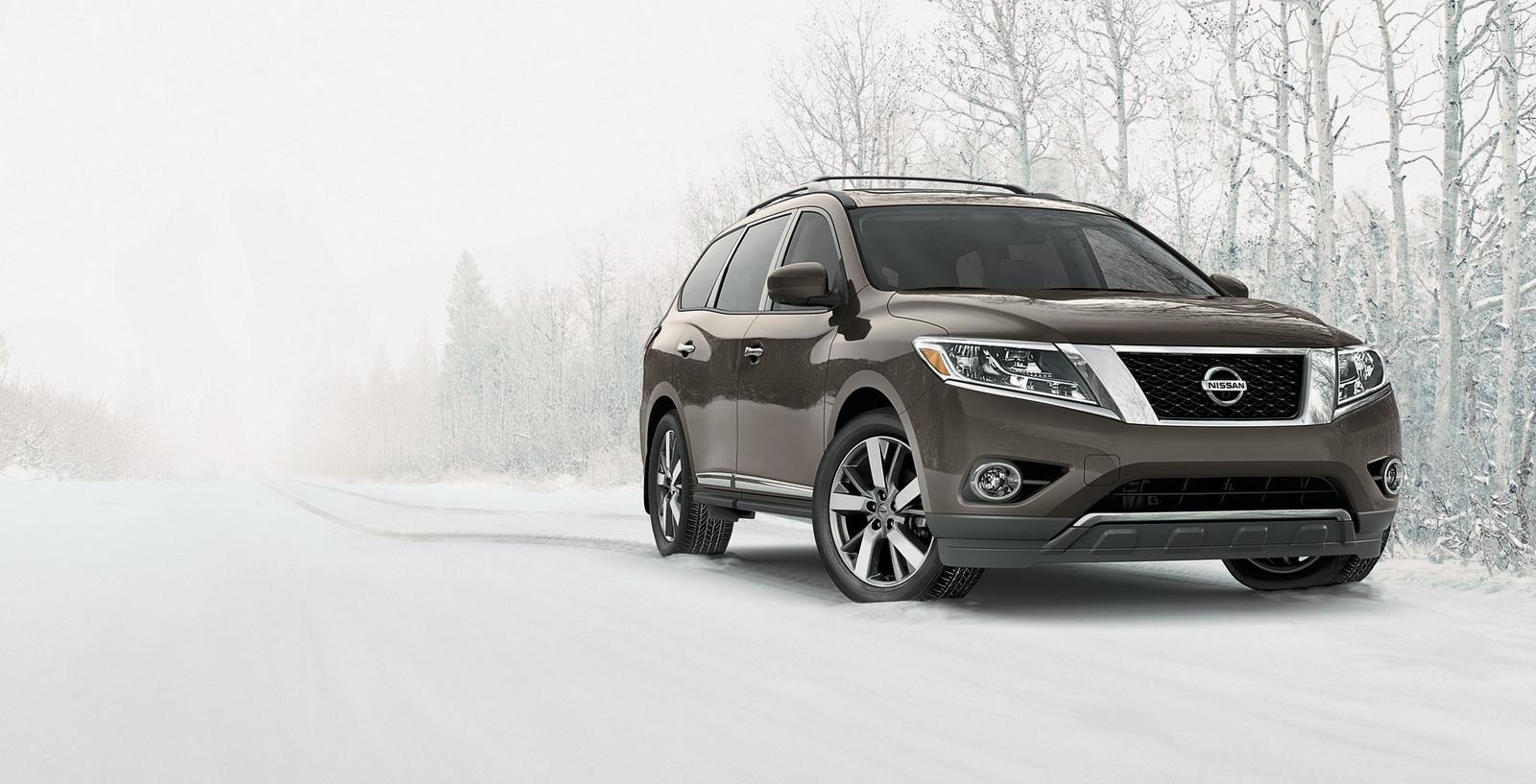 Nissan Pathfinder 2015 có giá từ 30.395 USD