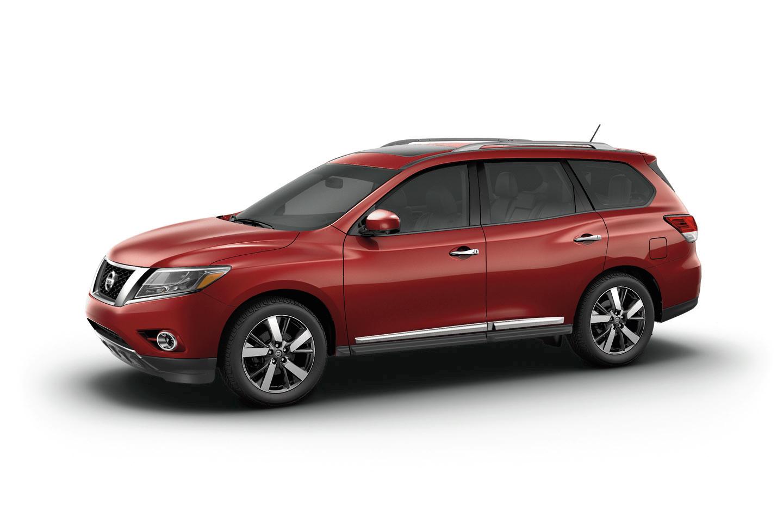 Ngoại thất và nội thất của Nissan Pathfinder 2015 không có nhiều thay đổi so với thế hệ trước