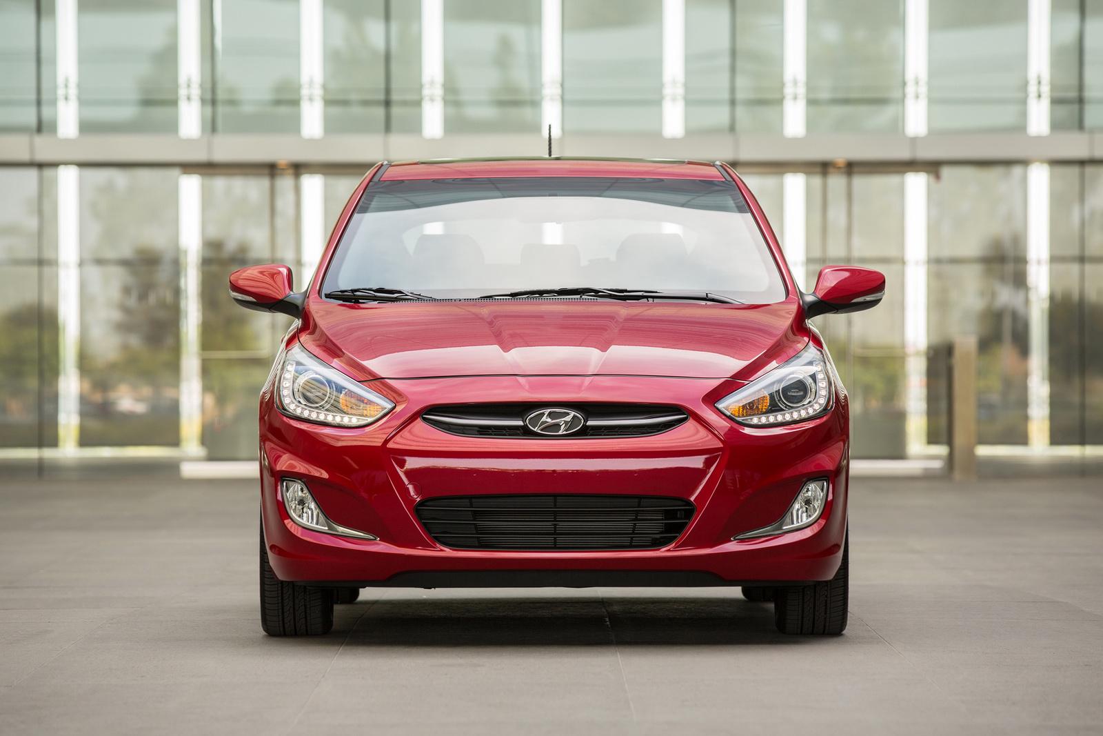 Ngoại thất Hyundai Accent 2015 thay đổi nhẹ so với thế hệ trước