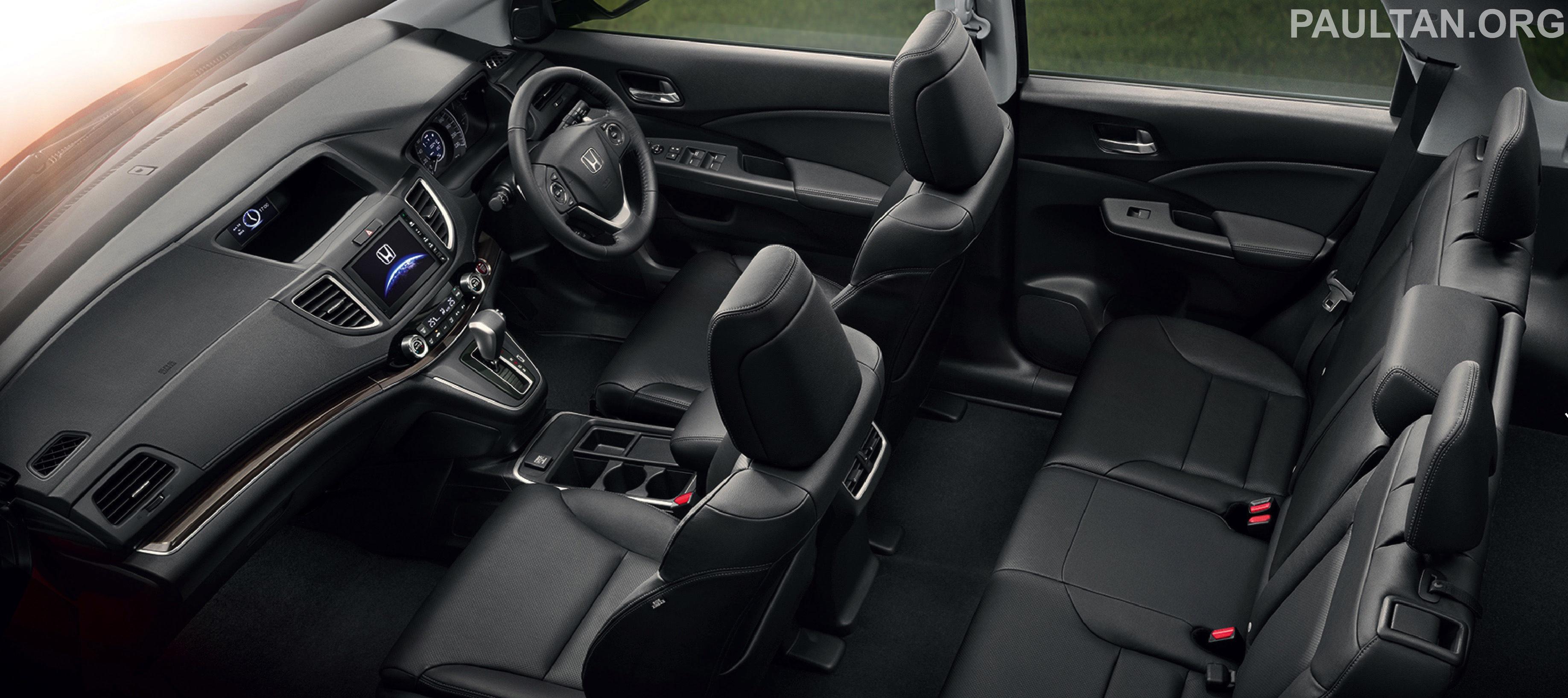 Nội thất màu đen đẹp mắt của CR-V Facelift 2015 phiên bản Châu Á