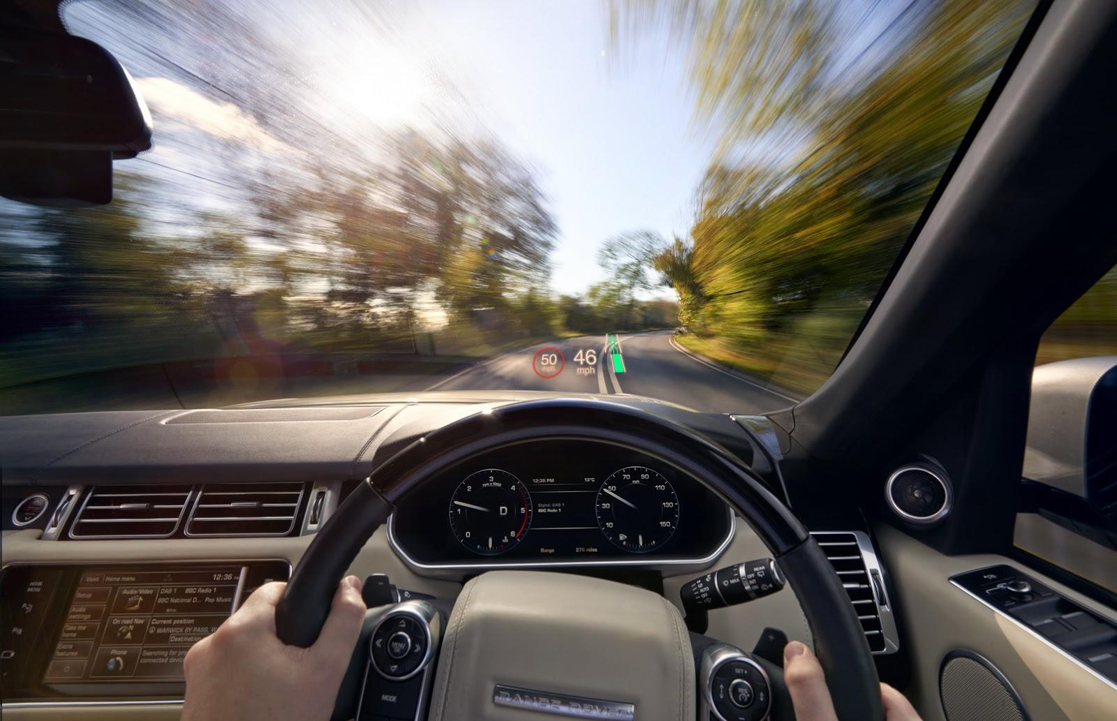 Công nghệ hiển thị thông tin trên kính chắn gió của Land Rover
