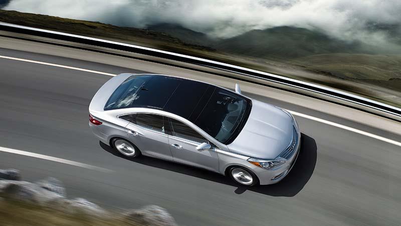 Ngoại thất Hyundai Azera 2015MY không nhiều thay đổi so với người tiền nhiệm 2014MY