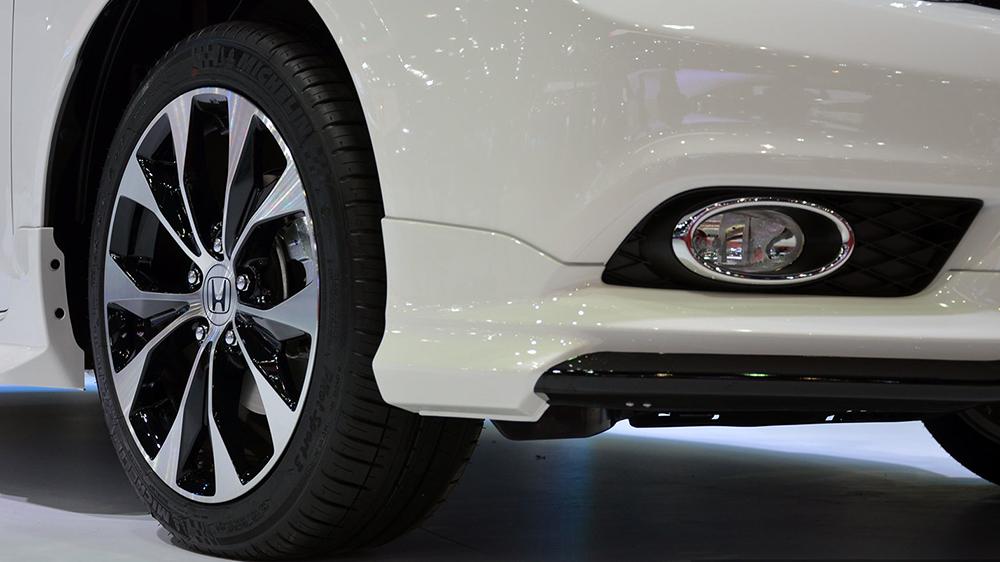 Bộ mâm hợp kim trên Honda Civic Facelift 2014