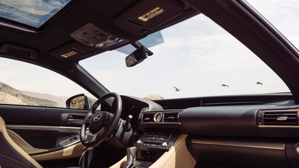 Nội thất Lexus RC 350 tinh tế và sang trọng