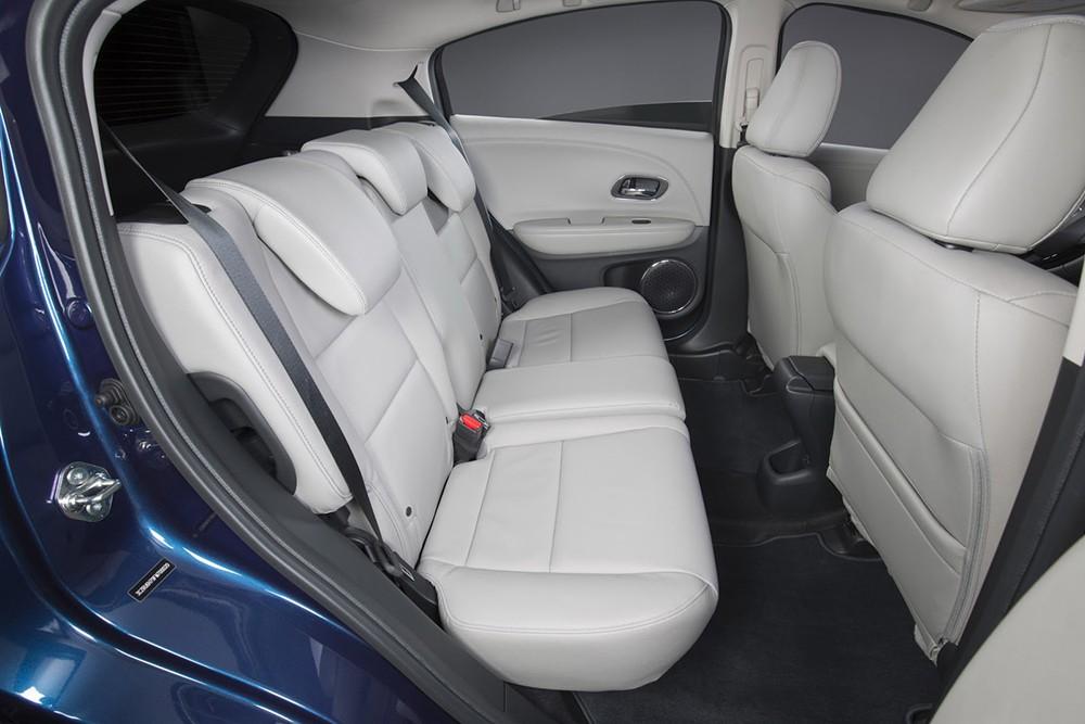Cabin xe có thiết kế mạnh mẽ và thể thao