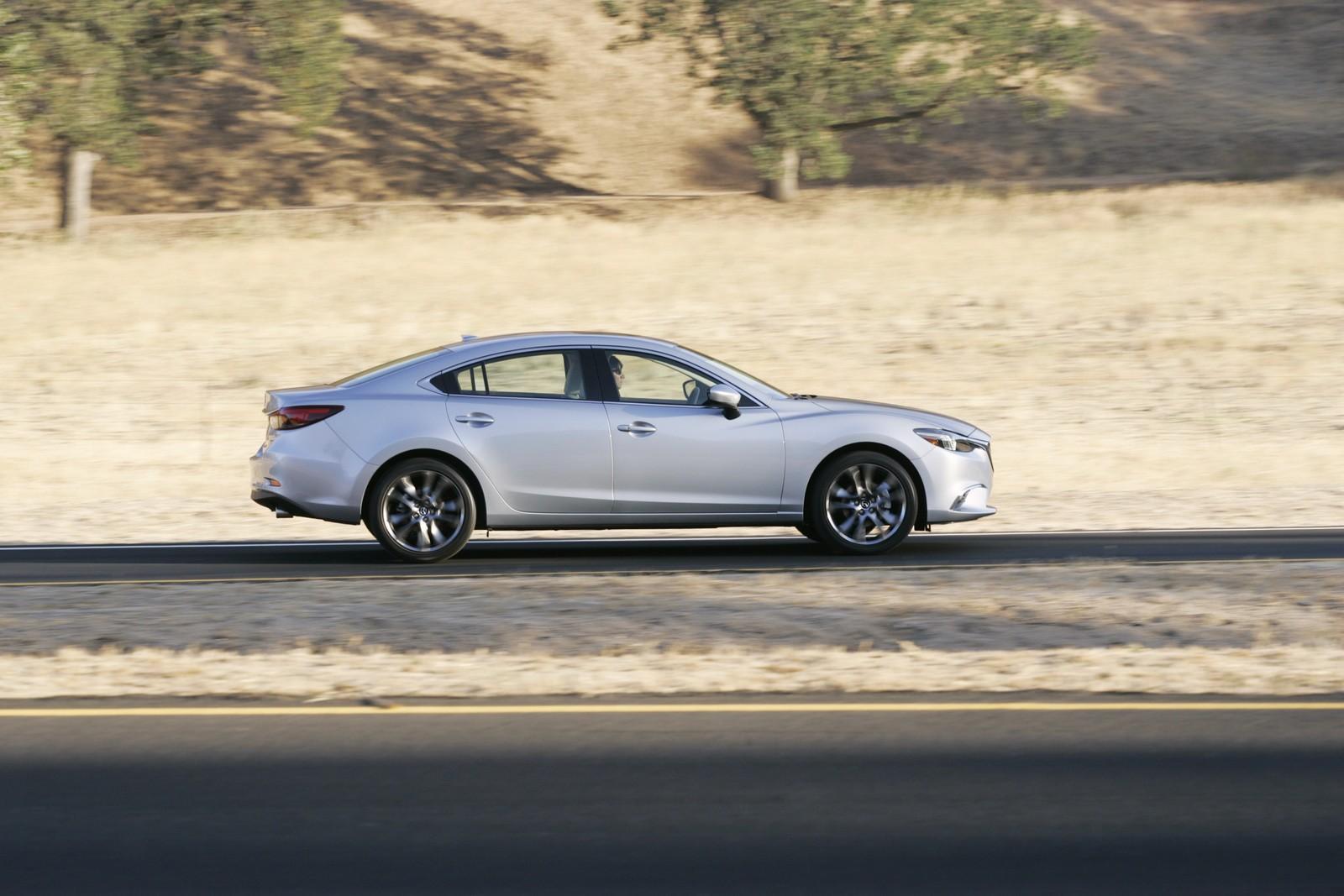 Ngoại thất thanh lịch của Mazda 6 Facelift 2016