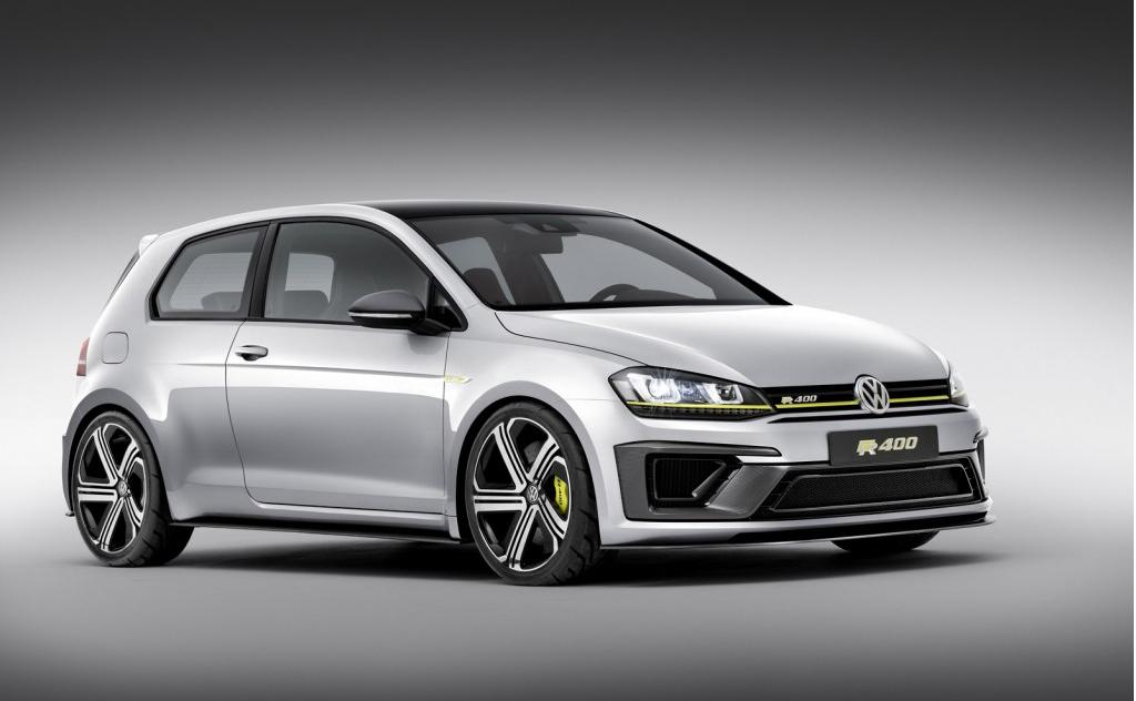 Volkswagen vừa cho ra mắt hai mẫu Concept thể thao ấn tượng Golf R400 và GTI Roadster