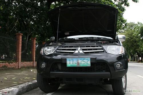 Khi động cơ xe bạn quá nóng thì phải làm gì? Tất nhiên là phải dùng đúng nước làm mát ô tô chính hãng rồi, ví dụ như: Super Long Life Coolant 40 (Green).