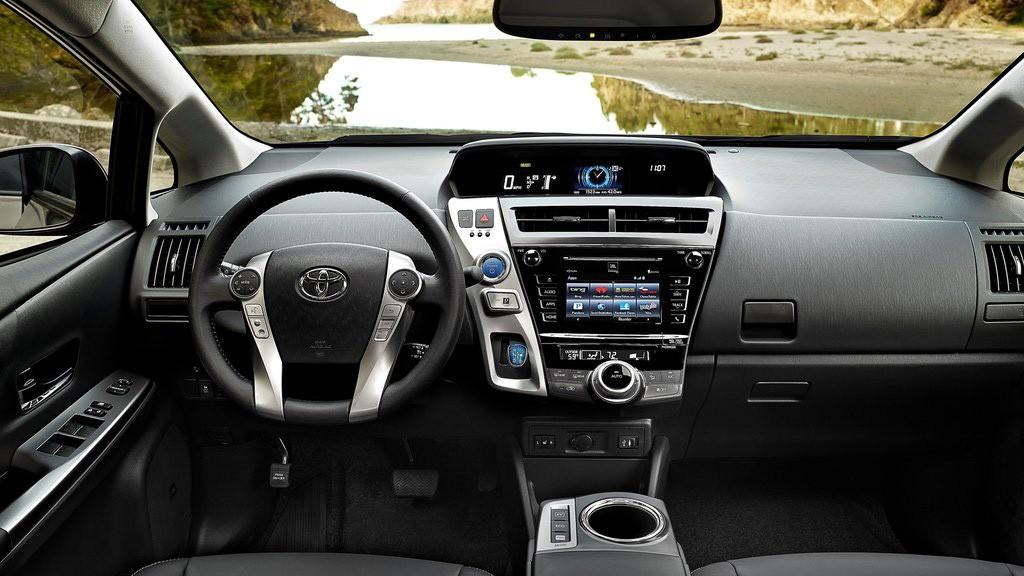 Prius V mới cung cấp nhiều tiện ích hơn cho khách hàng