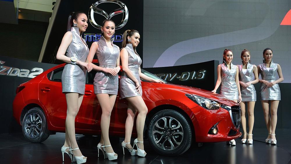 Mazda 2 Sedan tại triển lãm xe hơi Thái Lan 2014