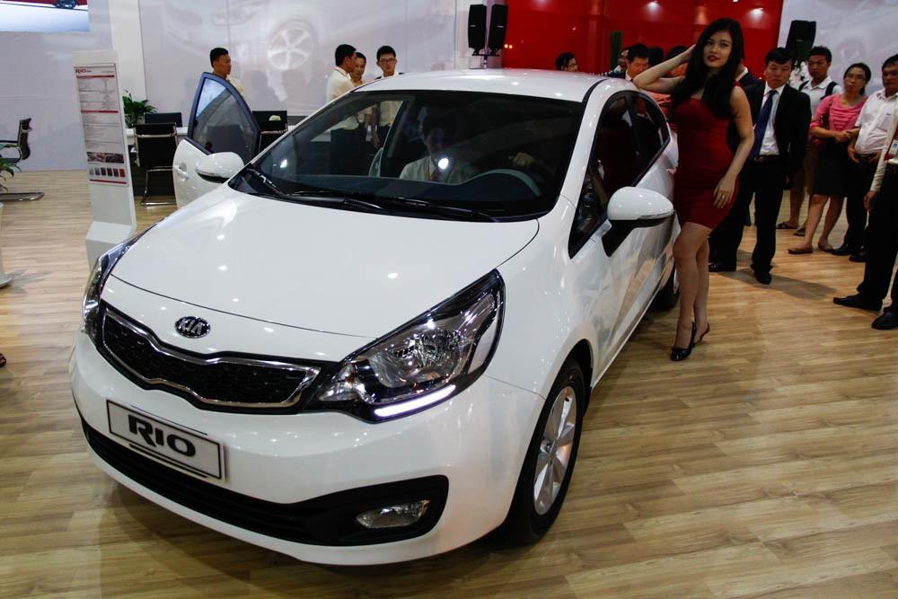 Kia Rio Sedan có giá bán công bố từ 490 triệu đồng tại Việt Nam
