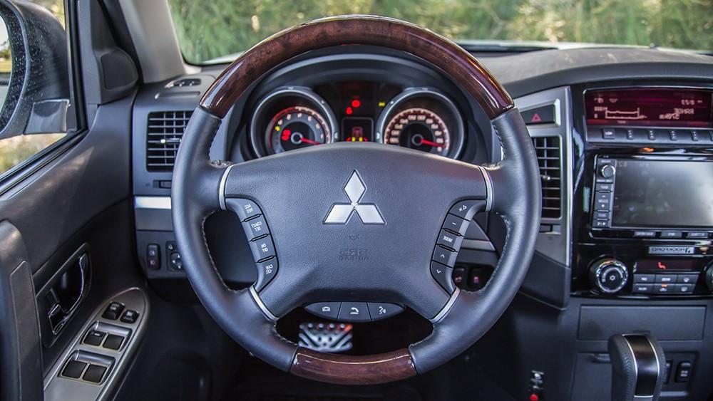 Mitsubishi Pajero 2015