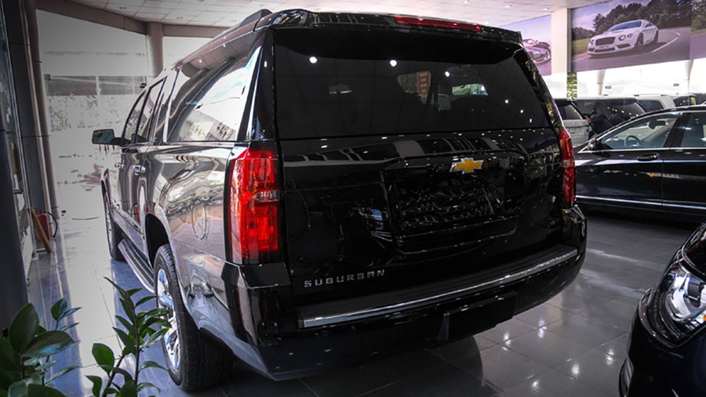 Chevrolet Suburban và Cadillac Escalade
