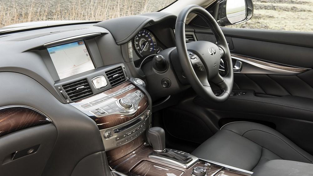 Infiniti Q70 Facelift
