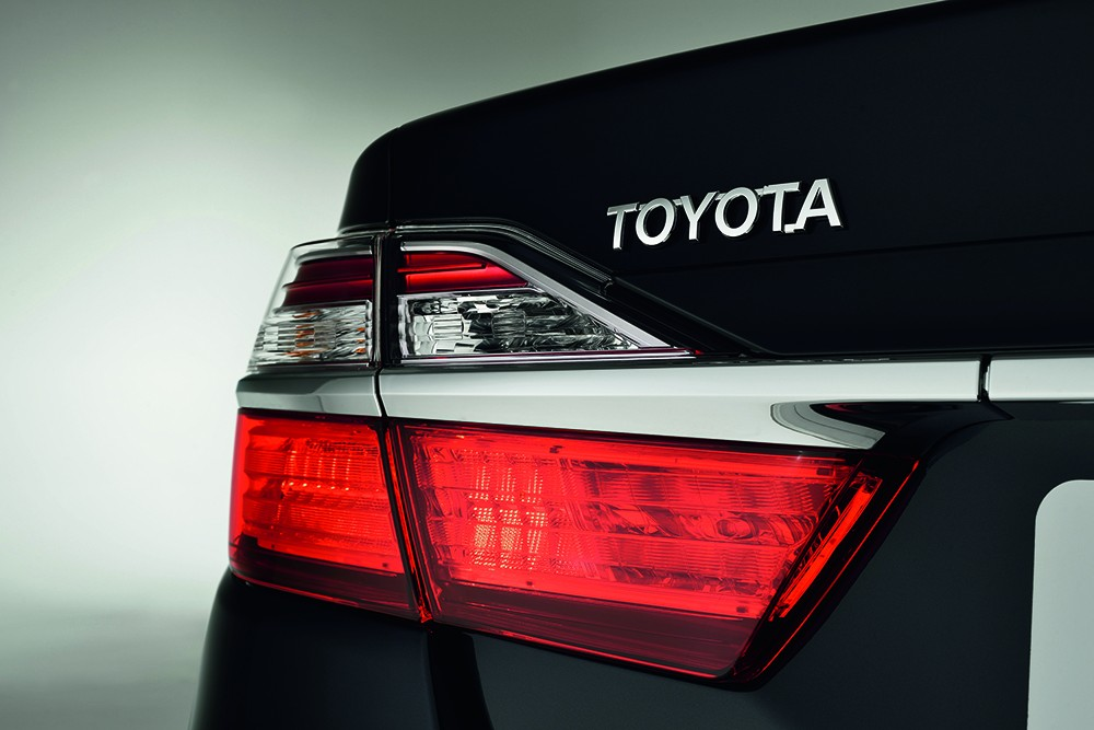 Camry facelift 2015