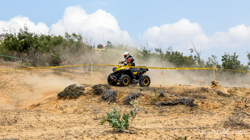 xe địa hình vượt đồi cát - mô tô