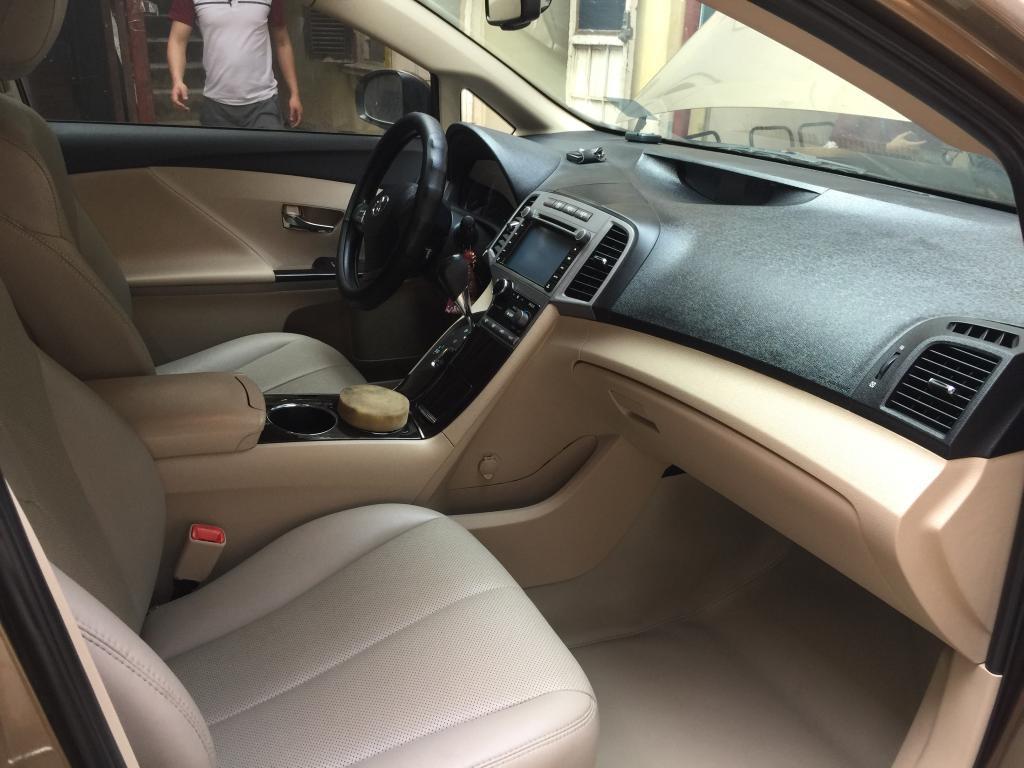 Hãy cùng hãng dầu nhớt cho ô tô cao cấp là Totachi Tìm hiểu Kinh nghiệm tự vệ sinh nội thất xe ô tô tại nhà như thế nào ?
