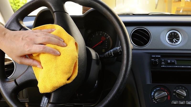 Kết quả hình ảnh cho Có nên rửa nội thất ô tô hay không? Cách để vệ sinh nội thất ô tô đơn giản