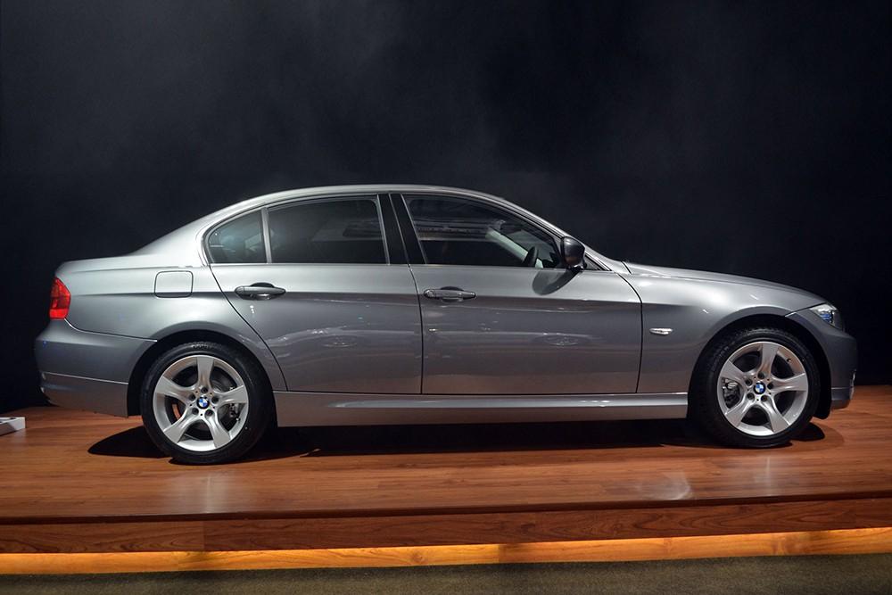 BMW 3-Series E90 2005