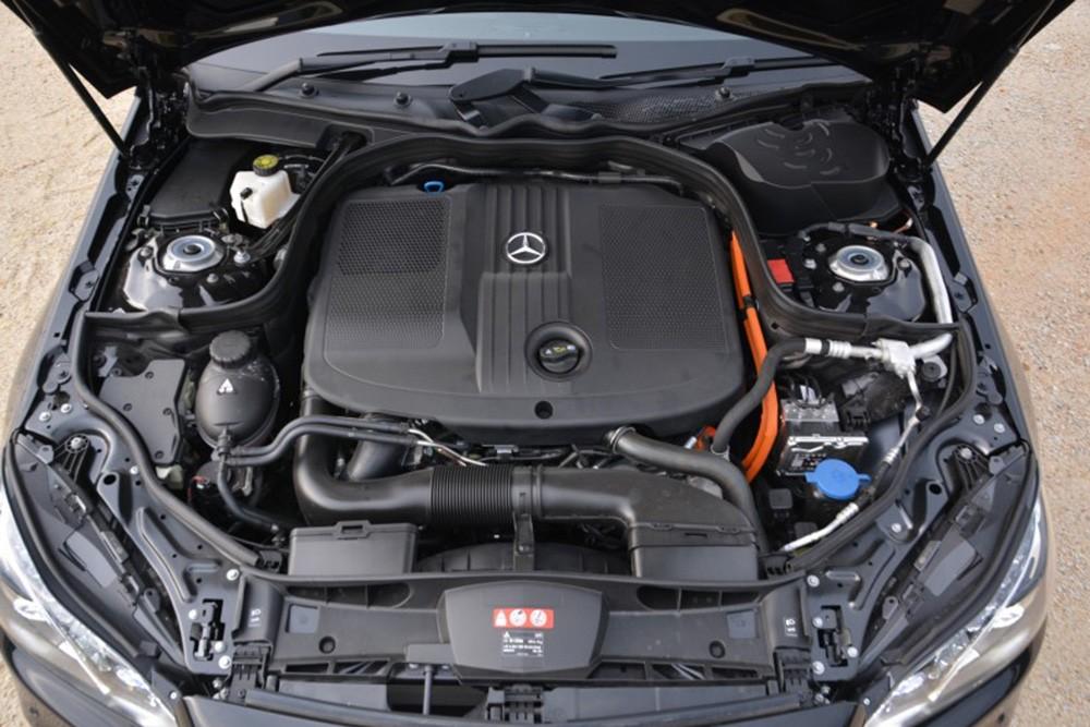 Mercedes-Benz E300 BlueTEC Hybrid