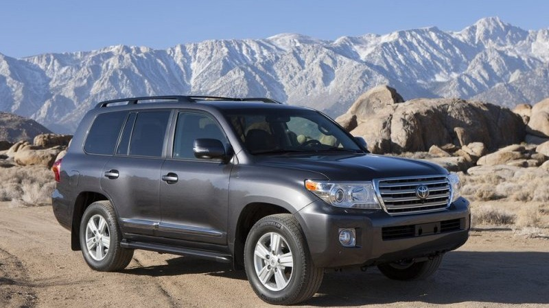 """Toyota Land Cruiser 2015  – """"chiếc du thuyền trên mọi địa hình"""""""