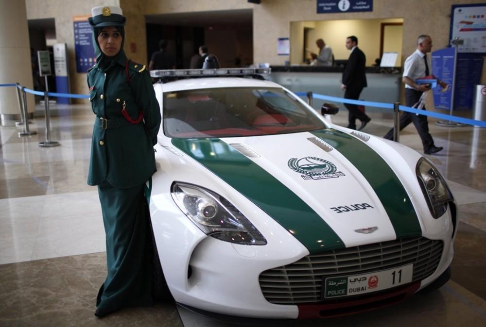 Aston Martin One-77 - xe cảnh sát siêu hiếm