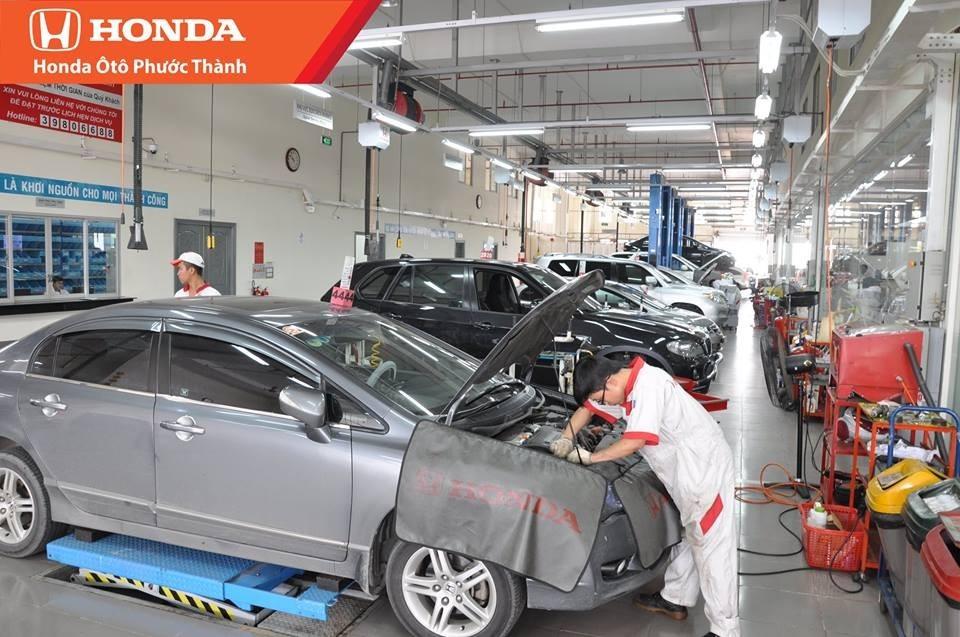 Lưu ý khi sử dụng và bảo dưỡng xe ô tô - kiểm tra và thay dung dịch thường xuyên