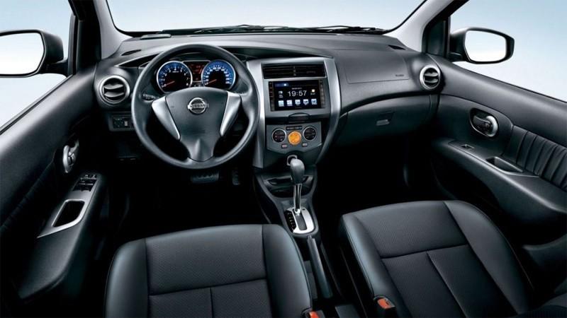 Nên chọn xe số tự động khi học bằng lái xe ô tô