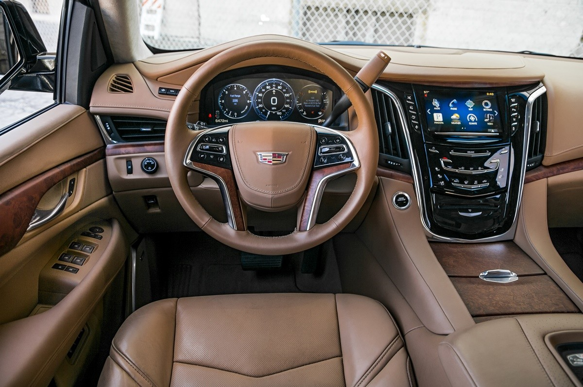 So S 225 Nh Suv Hạng Sang Cỡ Lớn Cadillac Escalade Vs Lexus